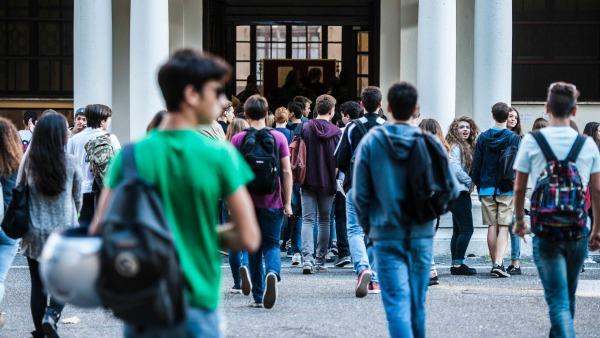 INCHIESTA, Italiani di poca fede: meno religione a scuola e niente più Chiesa