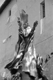 La statua di Paolo VI al Sacro Monte di Varese