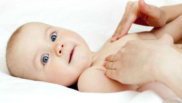 C'è un momento in cui la madre parla per la prima volta al suo bambino – in genere qualche secondo dopo la nascita, quando il piccolo bagnato e urlante viene adagiato sul corpo della mamma.