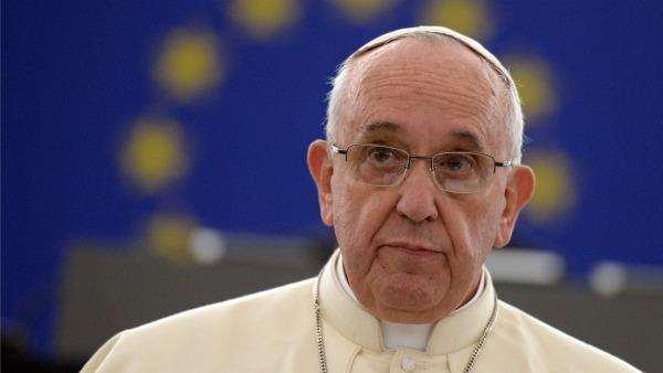 Papa Francesco: la politica sia vissuta come forma alta di carità