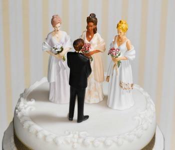 Dopo il matrimonio gay c'è già chi lancia il diritto alla poligamia