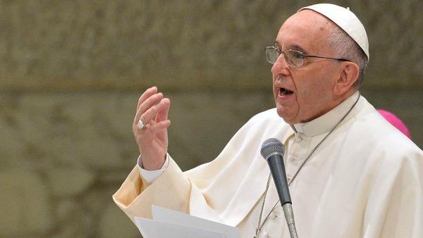 Papa Francesco: sono vicino al popolo greco, si salvi la sua dignità