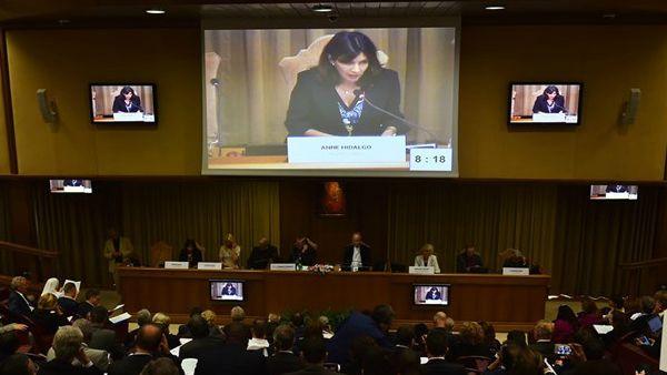 Sindaci in Vaticano: pronti a impegno comune su clima e schiavitù