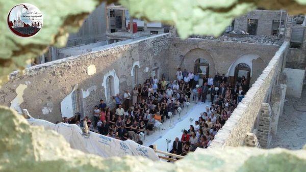 Quando l'amore è più forte della guerra... Siria: matrimonio nella chiesa distrutta