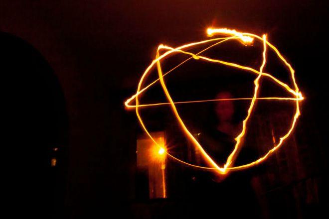 Un tempio satanico esige che i suoi membri consegnino l'anima al diavolo