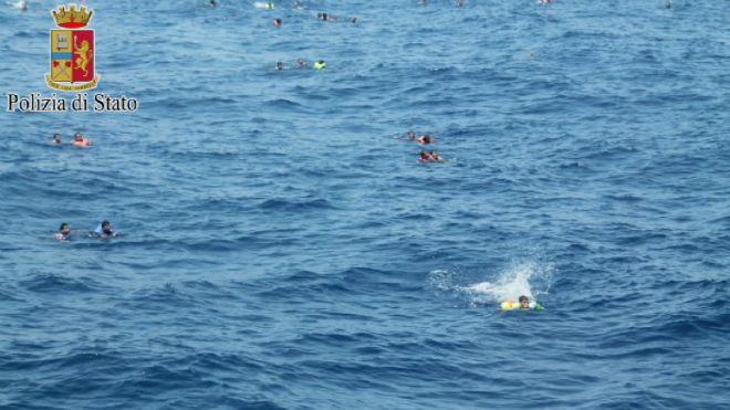 Migranti in Sicilia: Seviziati sui barconi