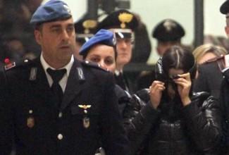 Martina Levato arrestata per l'aggressione con l'acido al 22enne Pietro Barbini dopo l'udienza a Milano, 27 gennaio 2015. ANSA/STEFANO PORTA