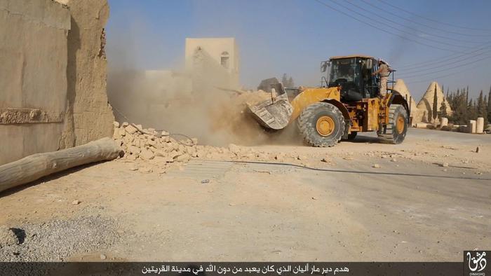 Siria: l'Is distrugge il monastero cattolico di Mar Elian
