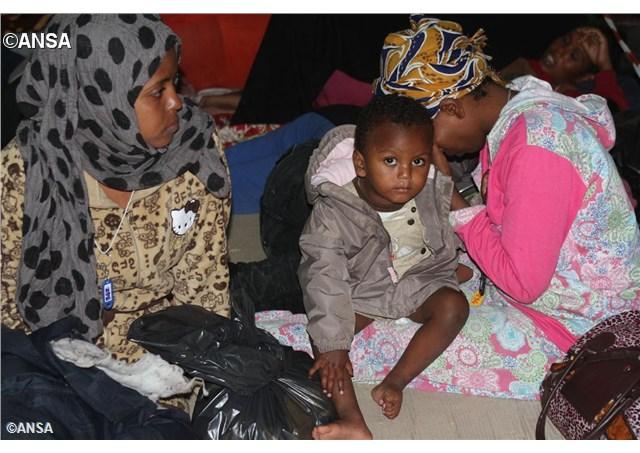 Papa Francesco: i migranti ci interpellano, rispondere con Vangelo misericordia