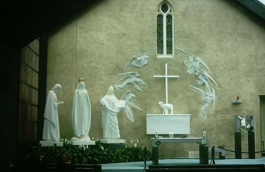 Scultura dell'altare di Knock, basata sui racconti dell'apparizione