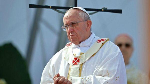 Papa Francesco: Il mondo non assista in silenzio a persecuzioni anticristiane