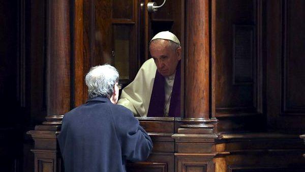Papa Francesco vuole sacerdoti misericordiosi e vicini al popolo