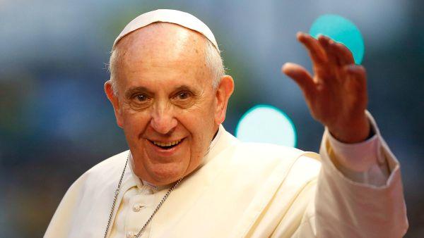 Il saluto del Papa ai giovani missionari sulle spiagge di Riccione