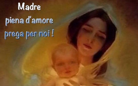 madre piena di amore