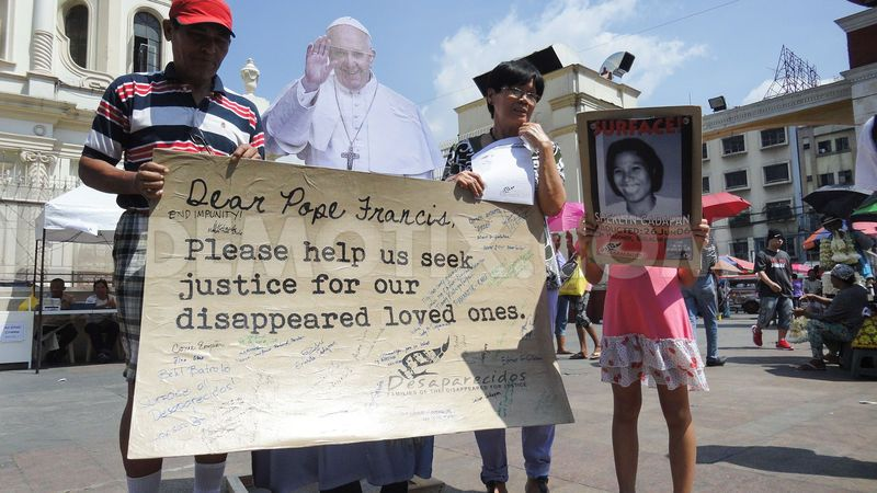 1414930170-families-remember-missing-kin-write-letters-to-pope-francis--manila_6163497