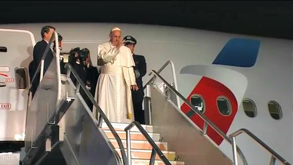 Per seguire il volo di ritorno di Papa Francesco minuto per minuto: