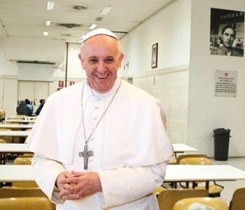 Papa Francesco aprirà la Porta santa della carità all'ostello Caritas di Roma