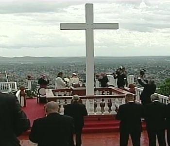 Cuba. La benedizione di Papa Francesco dalla Loma de La Cruz di Holguín