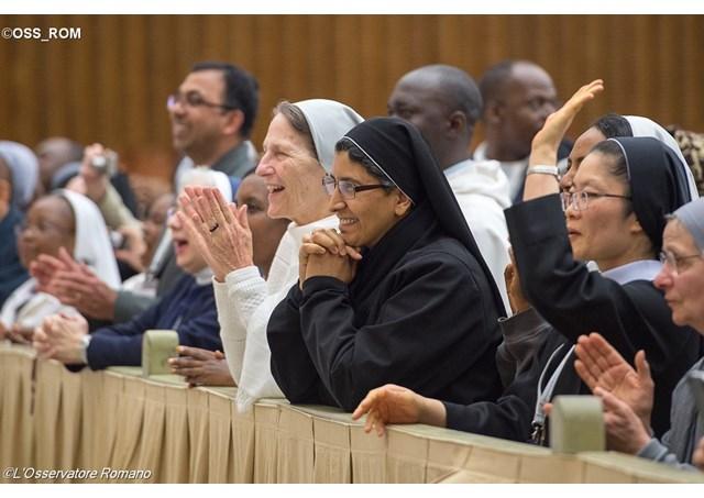 Discorso di Papa Francesco ai giovani consacrati. Testo integrale