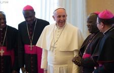 Vescovi africani danno il benvenuto al Papa e invocano la pace