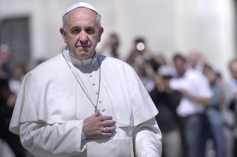 Pope-Francis-Prays-For-Peace-in-his-Urbi-et-Orbi-Benediction_5_1