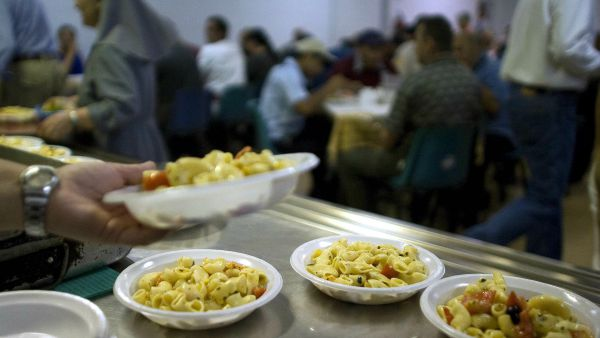 Caritas: Poveri raddoppiati in 7 anni