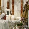 Papa Francesco: Come Maria dobbiamo uscire dalle sacrestie per accompagnare la vita e sostenere la speranza