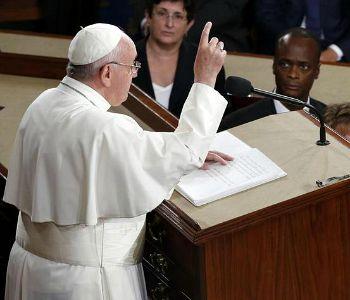 Papa Francesco conquista il cuore del Congresso degli Stati Uniti d'America.