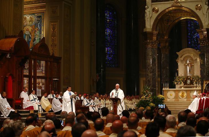 Papa Francesco: la Chiesa ha bisogno dei laici