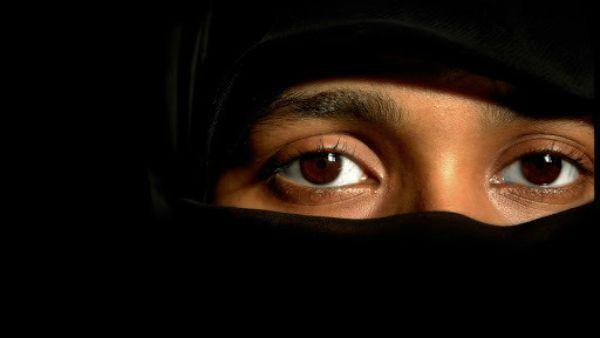 Record di conversioni al cristianesimo tra i musulmani che arrivano in Europa