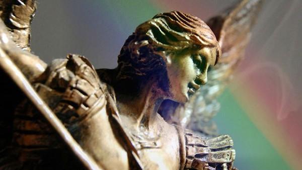 Preghiera molto potente a San Michele Arcangelo per chiedere protezione per te e per la tua famiglia