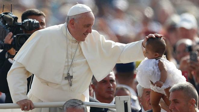 Papa Francesco all'Udienza: una robusta iniezione di spirito famigliare!