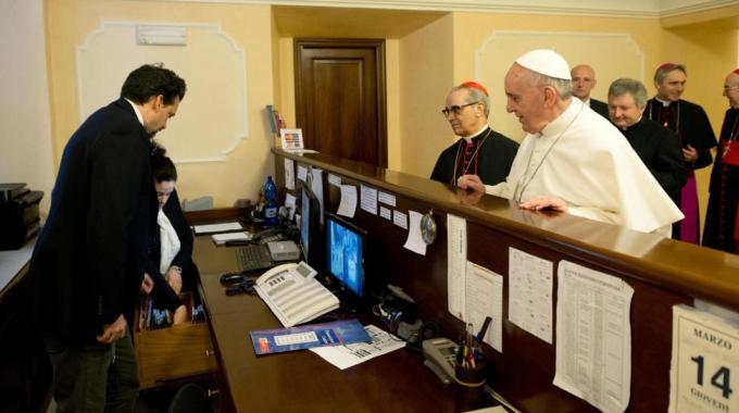 Papa, Conclave, e la rosa bianca