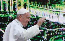 Non è solo 'latinoamericano e gesuita' . Papa Francesco è il Vicario di Gesù!