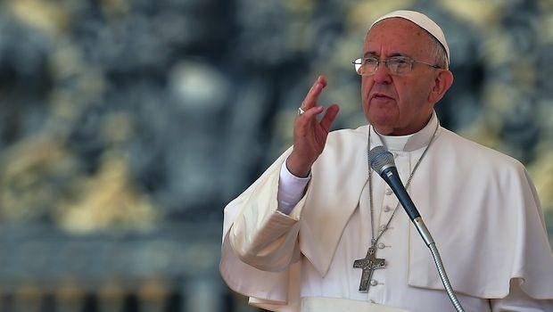 Papa Francesco saluta le famiglie irachene. Younan: cristiani a rischio estinzione
