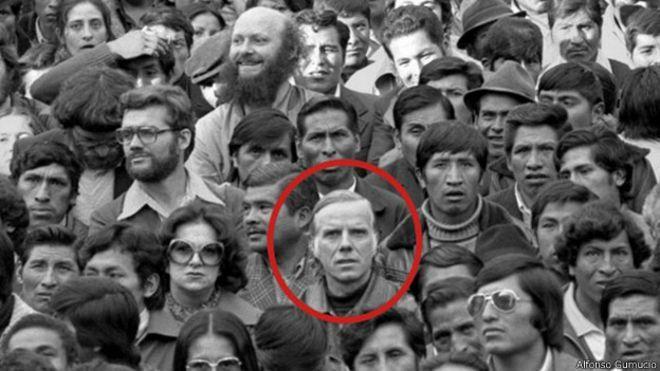 Luis Espinal durante una manifestazione con minatori e operai nel 1979/ Foto: BBC Mundo