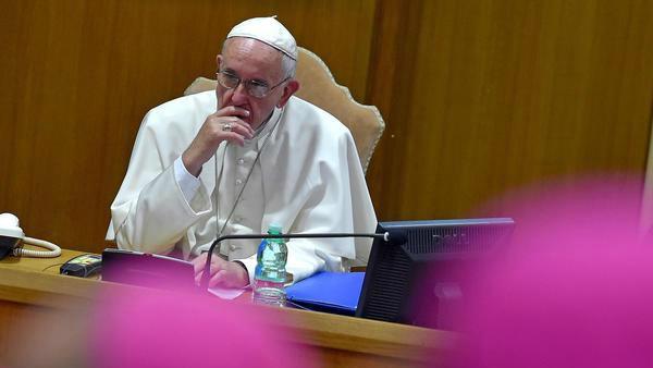 Papa: Sinodo non è parlamento, spazio a Spirito Santo non a compromessi