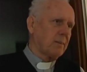 """Caro Don Gino, i bambini cercano affetto in noi preti. Non si può """"capire"""" chi tradisce il loro amore"""