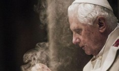 La lezione di Benedetto XVI su come non piegare la Fede alle mode del momento!