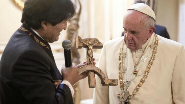 Bolivia: il presidente Morales torna a Messa dopo 40 anni
