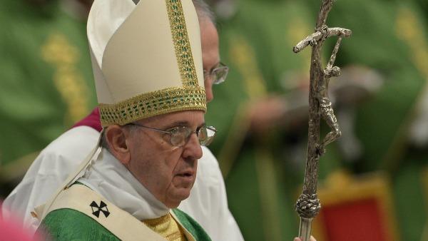 Sinodo sulla famiglia: Cosa vede il Papa quando un uomo sbaglia