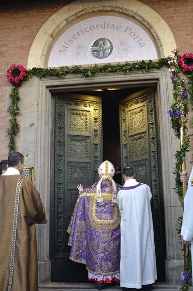 Le porte della carit dal cottolengo a torino al - Immagini porta santa ...