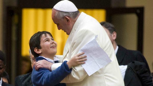 Letterine al Papa, perché i bambini capiscono il Papa e gli adulti no