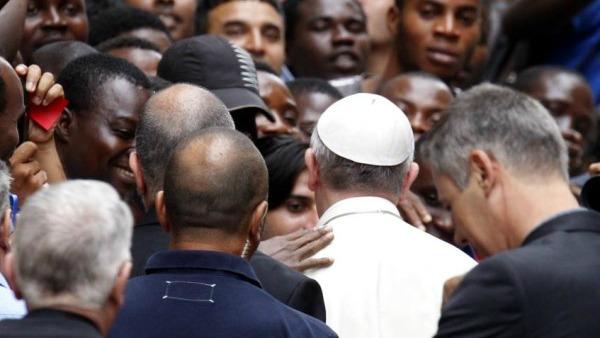 Oggi il Papa a Termini con la Caritas: quando il corpo viene prima dello spirito