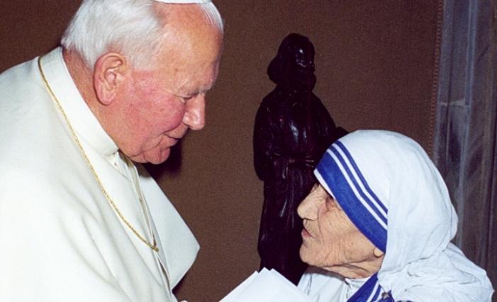 Giovanni Paolo II baciò Madre Teresa e con lei, tutti i moribondi di Calcutta!