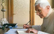 Benedetto XVI in libreria con le omelie inedite di Pentling