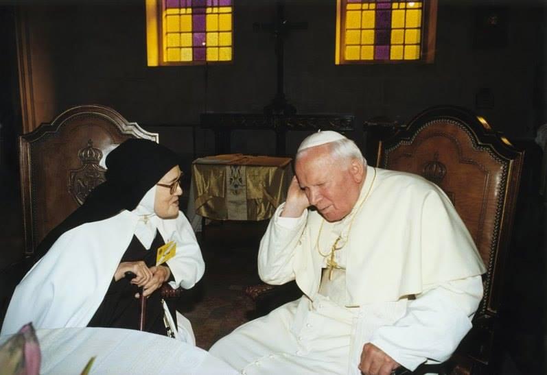 Suor Lucia e San Giovanni Paolo II a Fatima. E' l'Anno Santo