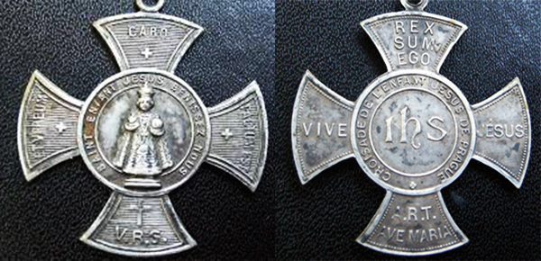 La medaglia del Bambino Gesù di Praga