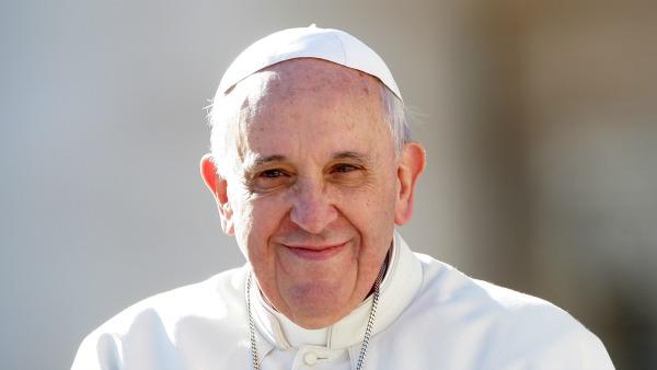 Francesco invita ad allattare in Chiesa. Quell'essere normali che è divino