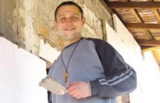 'Stavo morendo in overdose, ma nella disperazione ho incontrato Gesù'. Oggi è un consacrato.